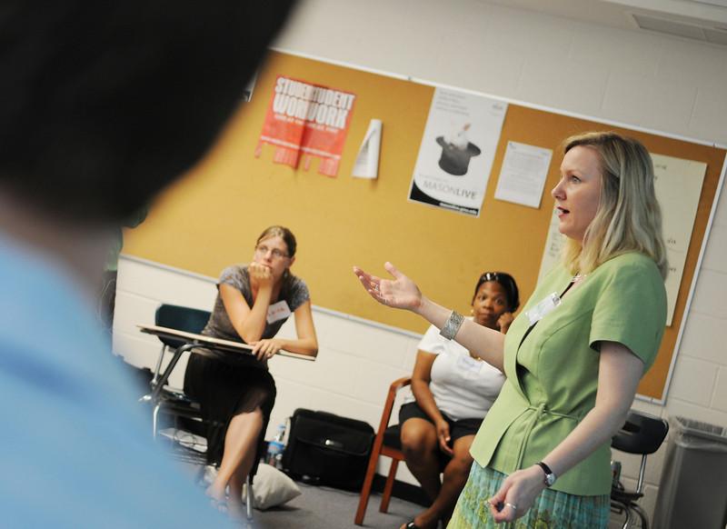 110711076e - Teachers take part in FAST TRAIN programs through CEHD.
