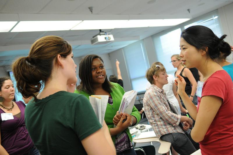 110711051 - Teachers take part in FAST TRAIN programs through CEHD.