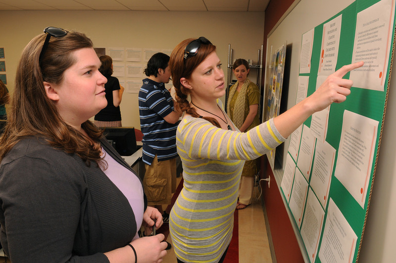 Students present research posters in Professor Kitsantas' class. Photo by Evan Cantwell/Creative Services/George Mason University