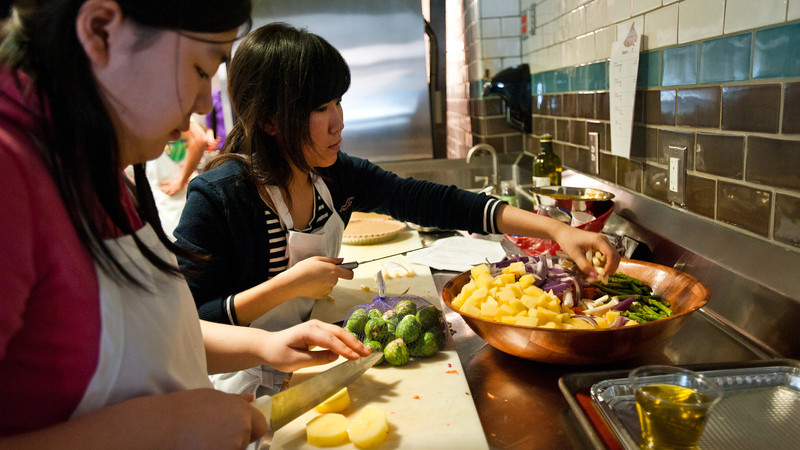 Students of the CHHS Nutrition and Food Studies Class prepare and cook a traditional Thanksgiving Dinner at the Nutrition Kitchen near Fairfax Campus.