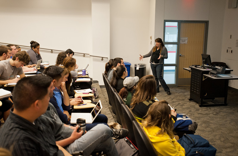 """Professor Danielle Rudes teaches """"Capstone in Criminology, Law and Society: Drug Courts"""" at Fairfax Campus. Photo by Alexis Glenn/Creative Services/George Mason University"""