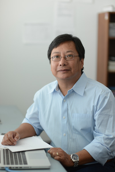 Professor Donald Seto, Bioinformatics and Computational Biology, School of Systems Biology.  Photo by Evan Cantwell/Creative Serivces/George Mason University