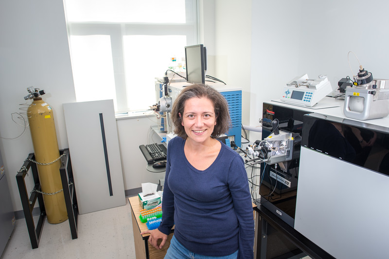 Center for Applied Proteomics and Molecular Medicine