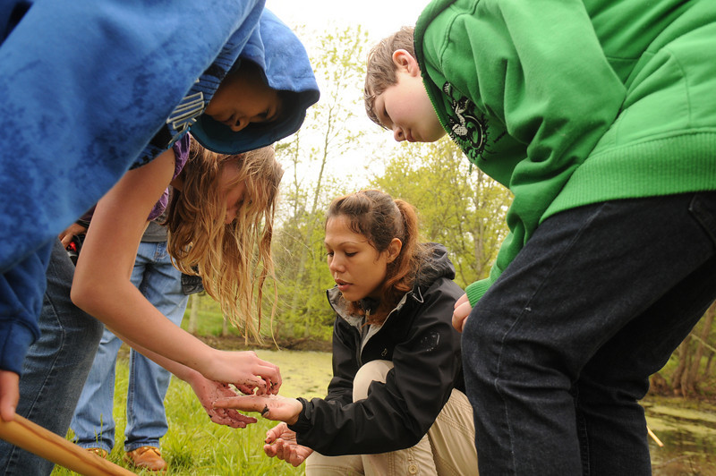 Prince William County School District students study watershed research at Manassas Battlefield National Park in Manassas, VA. Photo by Evan Cantwell, George Mason University