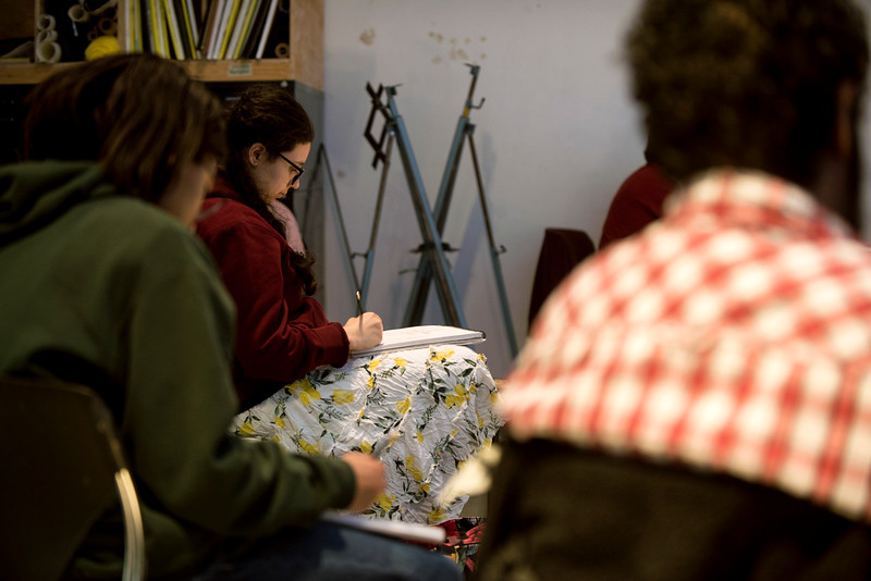 Students practice drawing from live models at the Illustrators Association's Sketch Jam. Photo by Bethany Camp/Creative Services/George Mason University