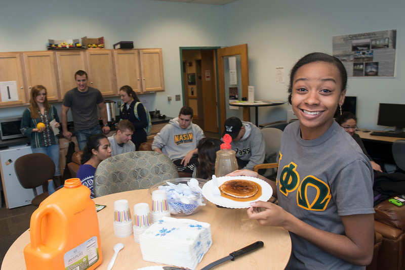 Honors College finals pancake breakfast