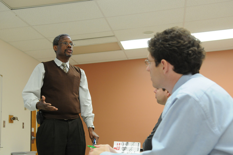 091202291 - Spencer Crew, Robinson Professor and CHSS Faculty, in the classroom. Photo by Creative Services/George Mason University