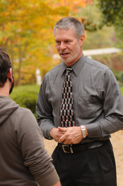 091109108 - Robert Hazen, Robinson Professor and COS faculty, speaks with a student outside of class. Photo by Evan Cantwell/Creative Services/George Mason University