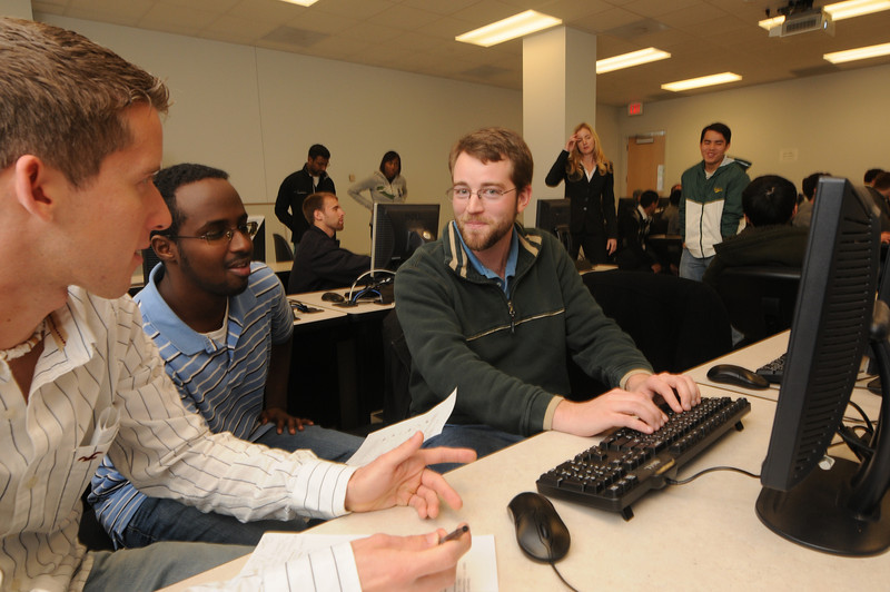 101130083 - Dr. Durant with IT&E students. Photo by Evan Cantwell.