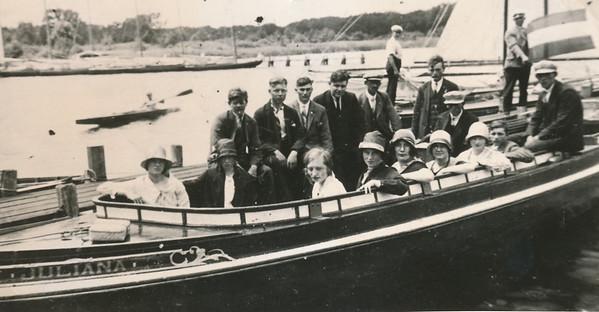 Zangvereniging op reis, ca. 1925