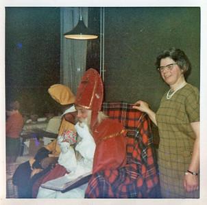 Dec. 1968 Sinterklaas in Het Ellertsveld