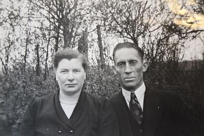 Libbe Bos en Geesje Klinkhamer, foto 1954.