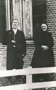 ds Evert Diemer (1834-1921) en zijn vrouw Annigje Kerssies (1837-1911)