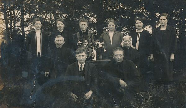 Gezin Harm Haak (1859-1938) en Jankje Schepers (1861-1936).