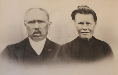 Anne Heins (1864-1928) en Roelina Bos (1881-1953)