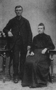 Jan Jongejeugd (1874-1921) en Aaltje Mol (1877-1944), foto ca 1920.