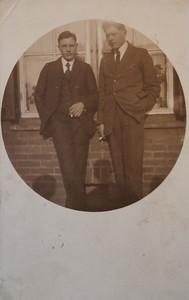 Albert Jagt (1906-) en een onbekend persoon, ca 1930