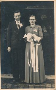 Trouwfoto Klaas Knol (1925-1977) en Klaasje Schepers (1922-1993)