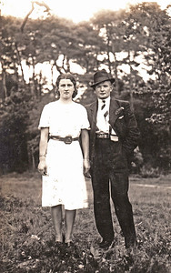 Geuchien Hummel (1916-1989) en Allemina Marchina (Mina) Krikke (1919-2005). Coll. Jan Ziengs