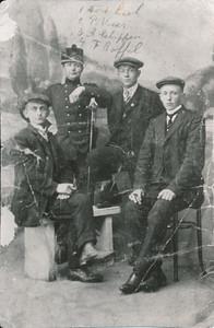 Agge van der Leek, Pieter Veer, Albert Schippers, Frederik Roffel, foto ca 1915