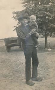 Jan Stevens met kleinzoon Jans Tangenberg