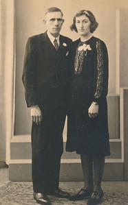 VIERHOVEN. Frederik Vierhoven (1909) en Johanna Gebben (1920-1956). Coll. Joke Schuiling-Smit