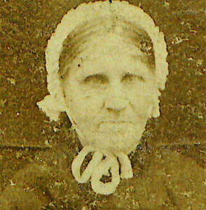 Zwaantje Vredeveld (1861-1922), x (1) De Graaf x (2) Moes. ca. 1920.
