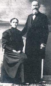 oefenaar Hendrik Waterink (1855-1927) en zijn vrouw Aaltje Timmermans (1870-1939)
