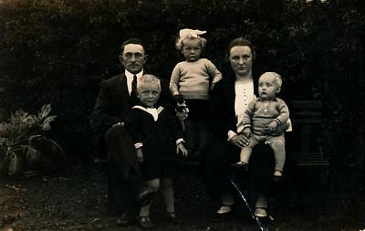 Gezin ten Wolde, ca 1929
