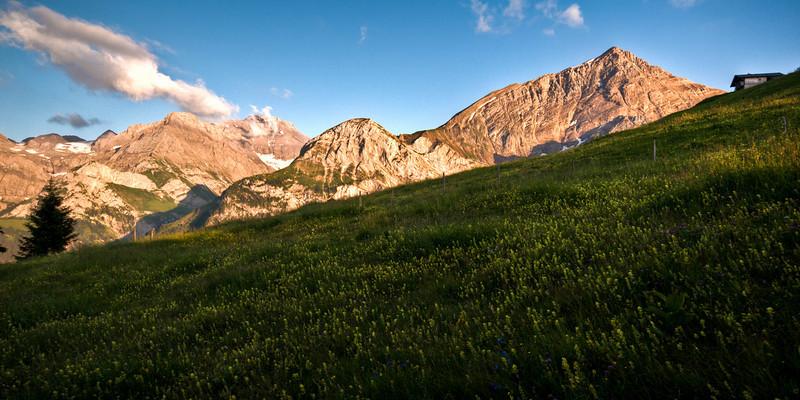 Sicht aufs Spitzhorn vom Chrinepass aus.