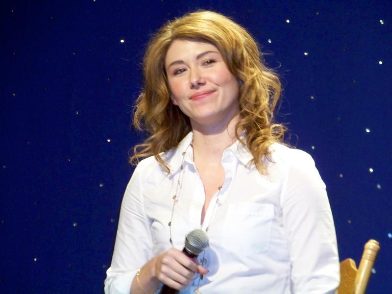 Jewel Staite 7