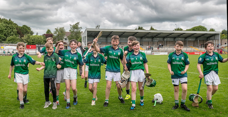 EEXXjob SPORT 31/05/2017Allianz Sciath na Scol Finals played at Pairc Ui Rinn. DH4 Ballinspittle v Knockvilla .The  Knockvilla team   celebrate at the final whilstle after victory in their final against Ballinspittle. Picture: Andy Jay