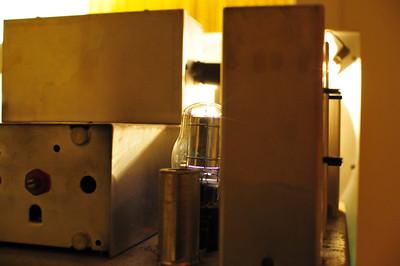 Back detail, mercury rectifier visible.
