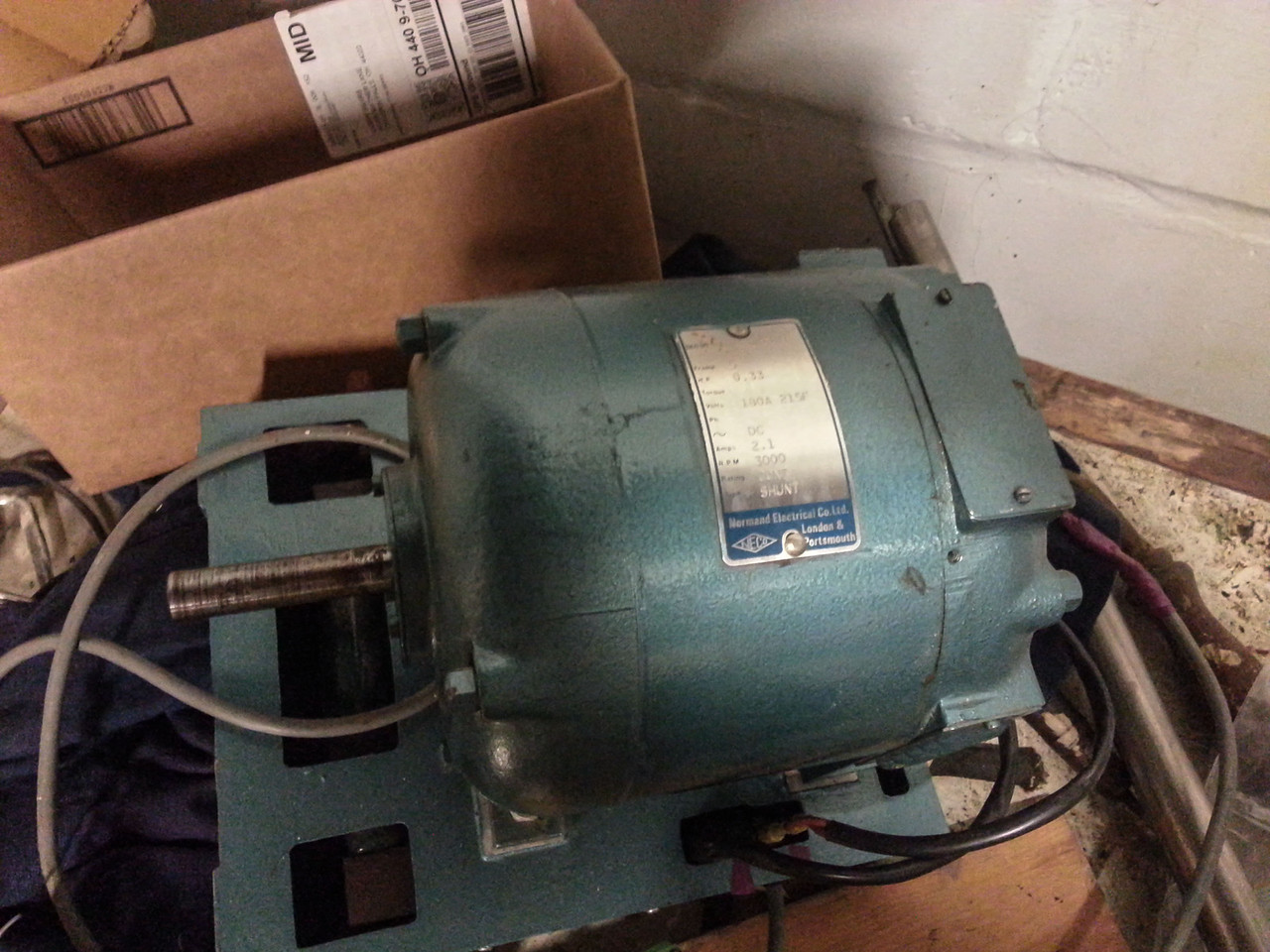 Super-beefy 1/3hp shunt made in the UK as a trainer, with attached drive.