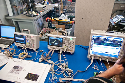 Interesting scope with built-in function generator