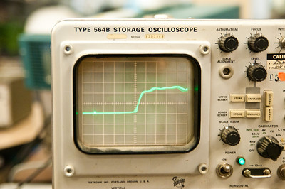 Analog storage enabled, 700pS risetime from scope calibrator.