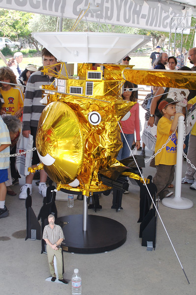 Scale Model of Cassini mission to Saturn