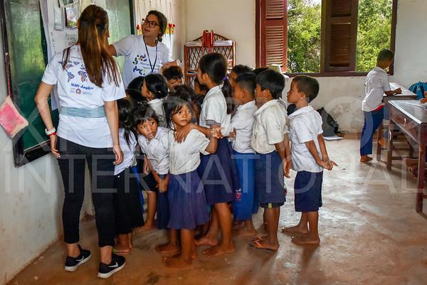 WH Volunteers at Run Ta Ek Eco Village