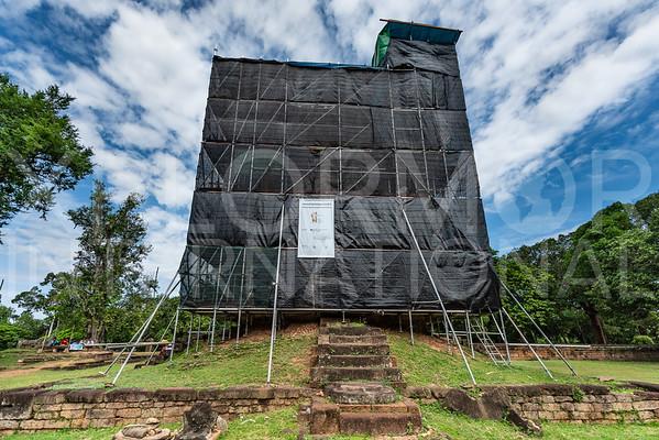 Brick Prasat Conservation at Wat Bakong