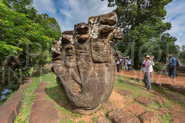 Naga at Wat Bakong