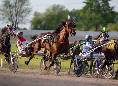Talkaboutaqueen, Coral Reef Hanover, Play For Pay