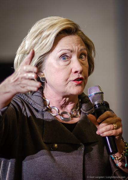 11. Clinton Holds Town Hall Meeting At Derry Middle School