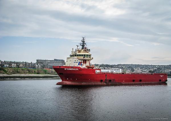 Esmeralda leaves Aberdeen Harbour