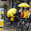 Free Tour #edinburgh #tourist #instatravel #royalmile #streetphotography #umbrella