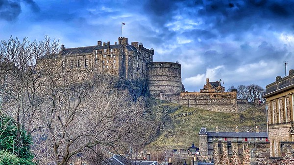 Edinburgh Castle from the Vennel