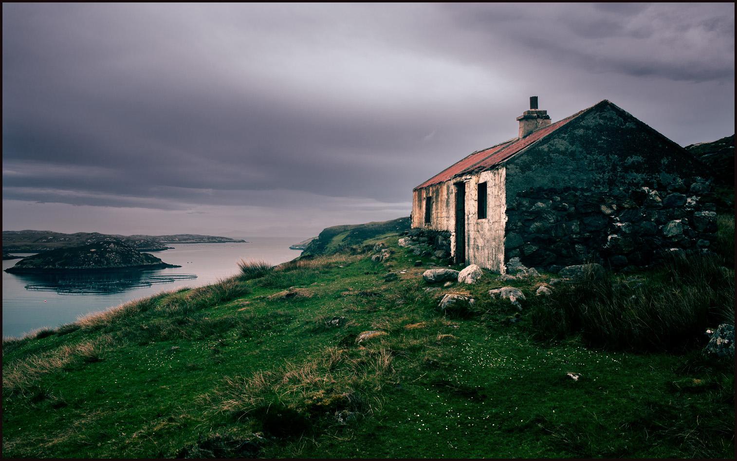 Derelict Shepherd's Bothy, Loch Sgiopoirt
