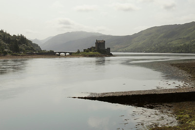 Eileen Donon Castle on Loch Duich.  Town of Dornie, Highlands Council, Scotland.