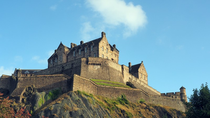 View of Edinburgh Caste on a gorgeous sunny day