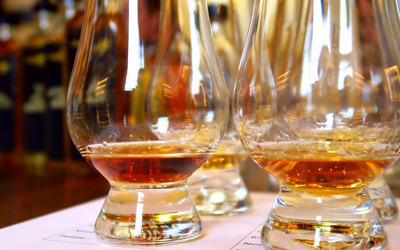 Nosing and tasting whisky in Edinburgh