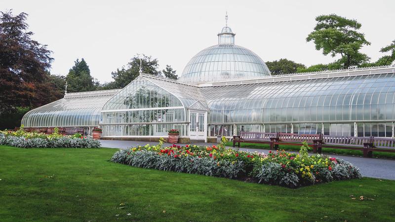 Kibble Palace Glasshouse at Glasgow Botanic Gardens